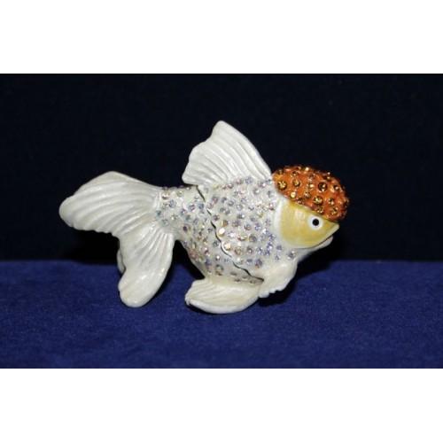 Рыбка белая
